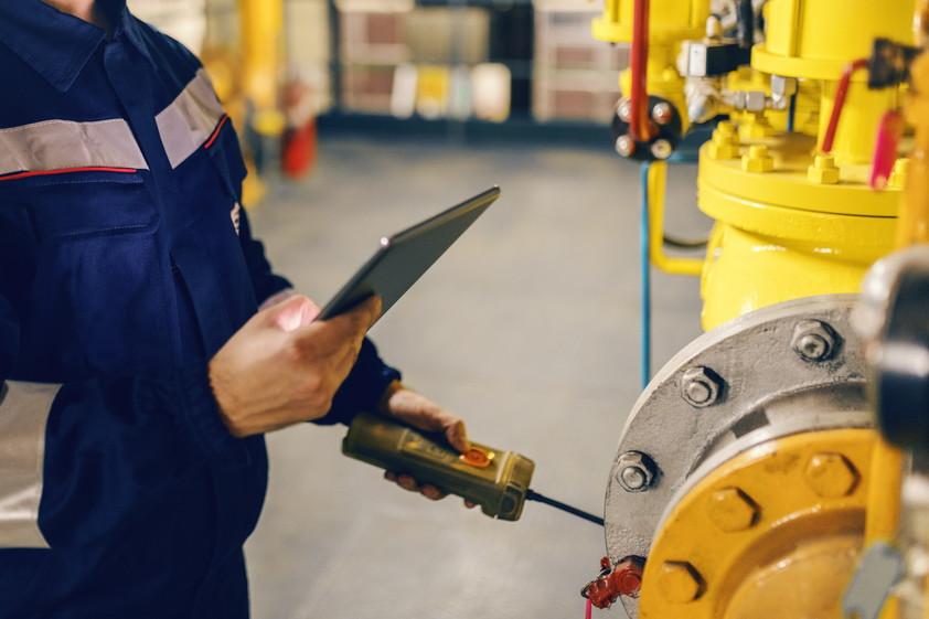 【事例】スマート工場とは?工場へのIoT導入方法やメリット・課題を解説