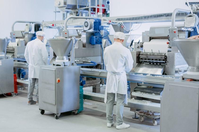 工場の「見える化」とは? 製造業の生産性効率化事例をご紹介